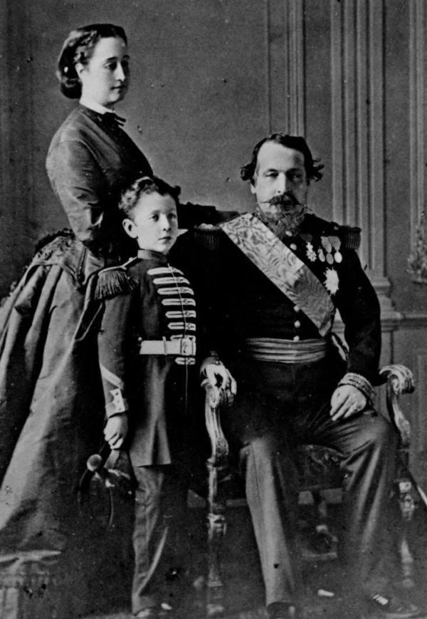 Napoleón III, junto a su esposa, Eugenia de Montijo y su hijo